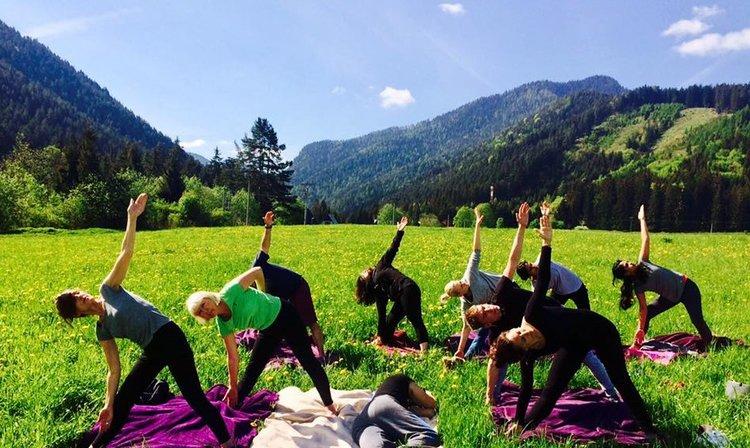 Yoga Eternity - Lucia Hoxha | Yoga | Lifestyle Coach | Online Yoga for Women