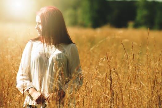 Lucia Hoxha | Yoga | Lifestyle Coach | Online Yoga for Women