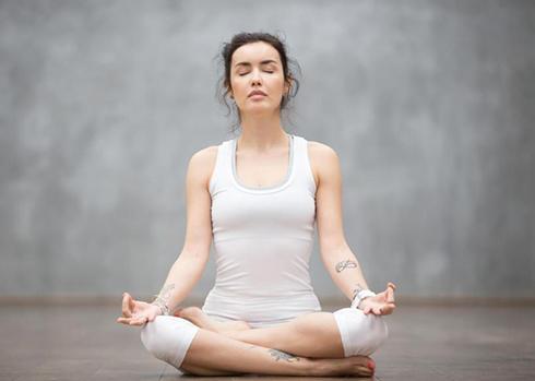 Media English 1 - Lucia Hoxha | Yoga | Lifestyle Coach | Online Yoga for Women