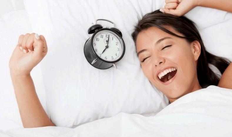 6 výhod vstávania o 5-tej ráno